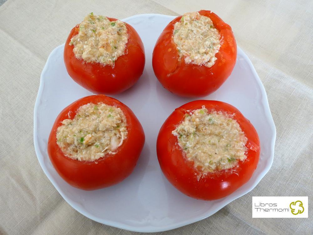 Tomates rellenos de pollo con thermomix