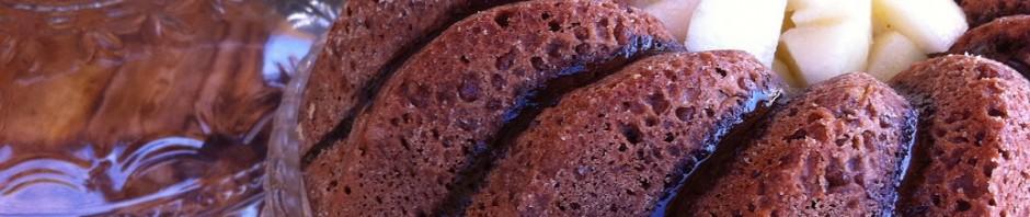 Bizcocho húmedo de chocolate y pera con Thermomix